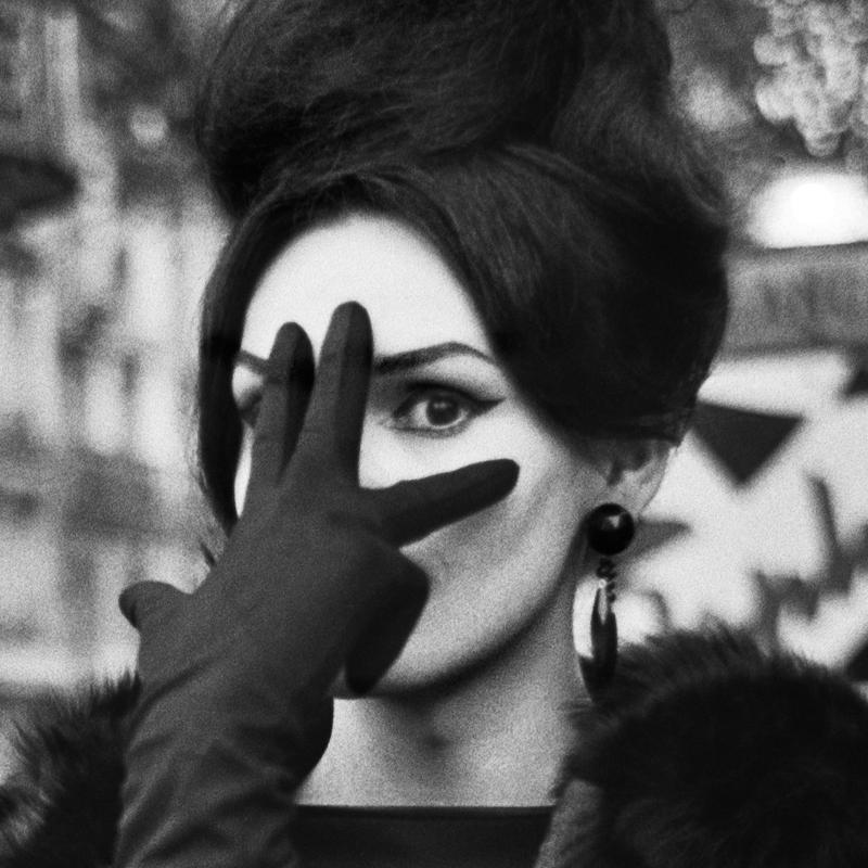 """Christer Strömholm: NANA; Place Blanche; Paris 1961. Aus der Ausstellung """"Augen auf! 100 Jahre Leica"""", Deichtorhallen hamburg 24.Oktober 2014-11.Januar 2015"""
